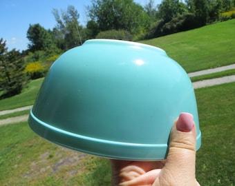 Vintage Pyrex Nesting Bowl-Aqua-2.5QT-403 Bowl-Excellent