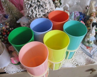 Vintage Hard Plastic Colorful Retro Tumblers and Carrier-Summer Picnic Fun