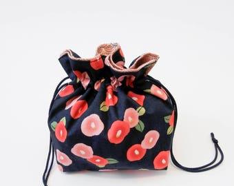 Red & Pink Retro Flowers on Navy Blue Kinchaku.