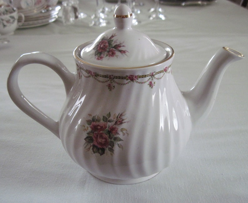 Vintage Mid Century Arthur Wood /& Son China Teapot Rose Floral Design Gold Trim Staffordshire England Shades Of Pink