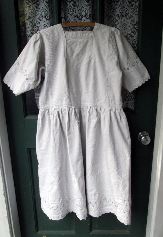 ON SALE Antique Linen Romanian Dress//Peasant//Ha… - image 7