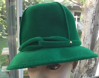 c0ae96e5515 Vintage 1960s 1970s Hat Green Color  Frank s Girl Designed By Frank Olive  New York  High Tall Crown Style