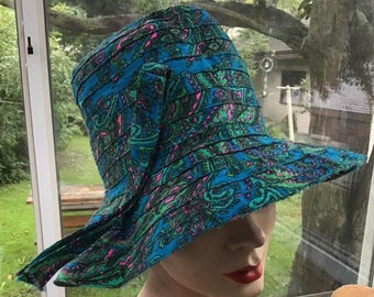 a6479d3bacefc Vintage 1960s 1970s Hat Paisley Floppy Brim Aqua Green Pink Hippie MOD  Festival (Colors Are Darker In Person Than Shows In Pictures)