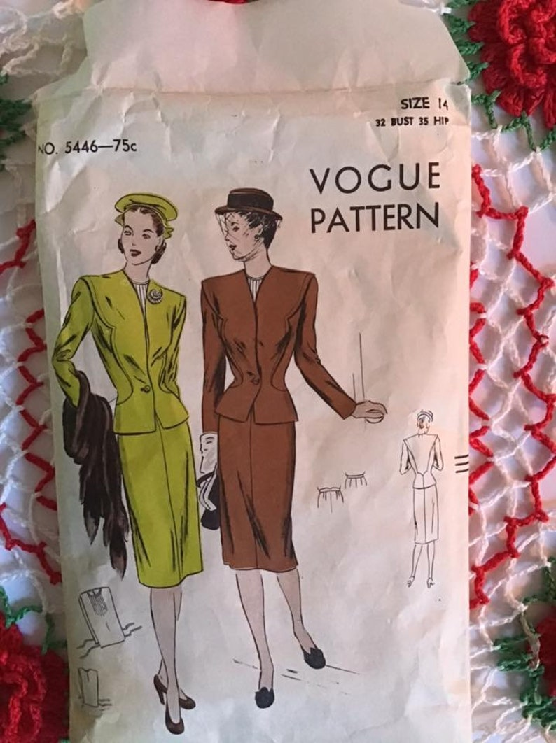 Vintage 1940/'s Pattern 2 Piece Ladies Suit With Dickey Sewing Pattern *VOGUE* Pattern # 5446 SMALL SIZE
