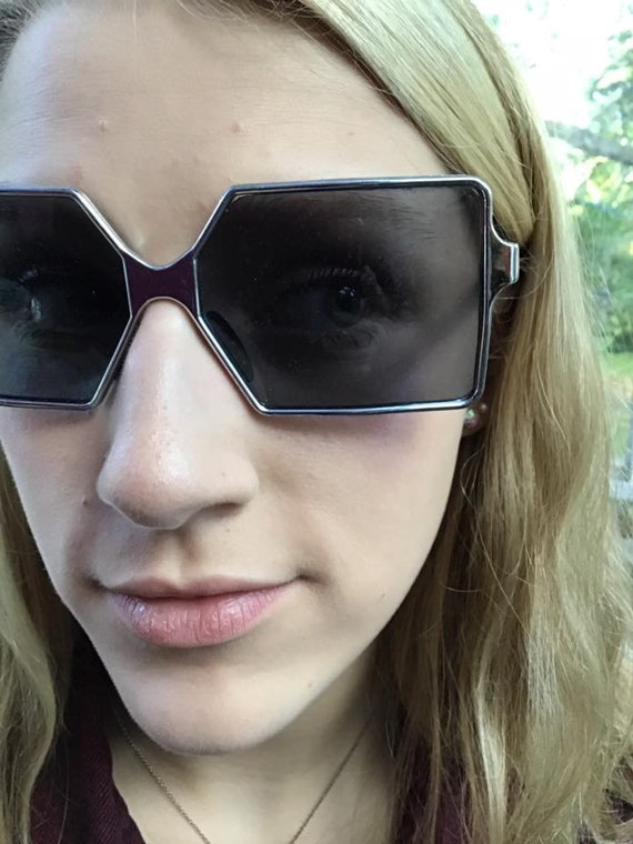 5f3c2caa88 Vintage 1960s 1970s Sunglasses Made In Italy Silver Tone
