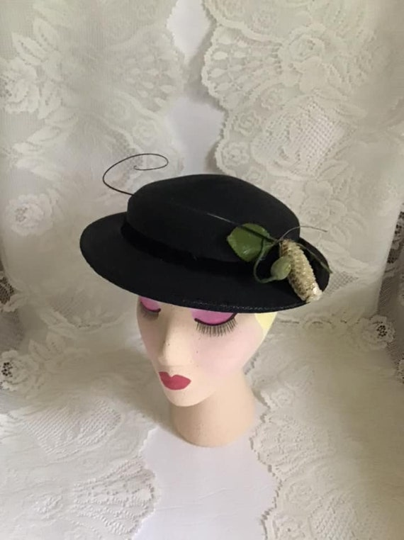 Vintage 1950's Hat Dark Black With A Sequin And Cu