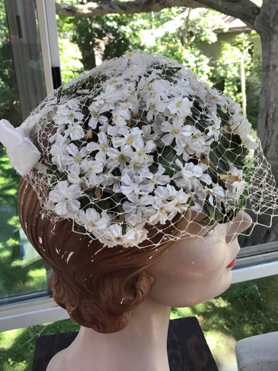 Vintage 1950s 1960s Hat White Flowers With Yellow Centers Etsy