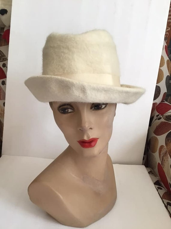 Vintage 1960's 1970's Hat Off White Fedora Style L