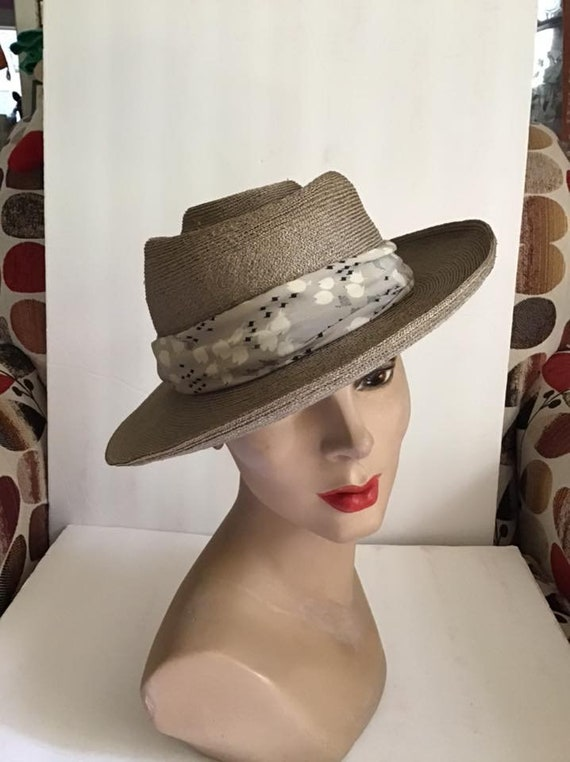 Vintage 1930's Hat Gray Straw With Silk Lining Art