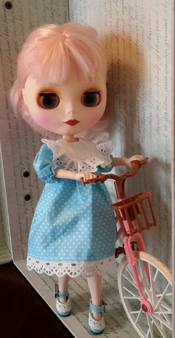 """Takara 12/"""" Blythe Doll Sweet And Delicate Outfits-Light Blue Dress"""