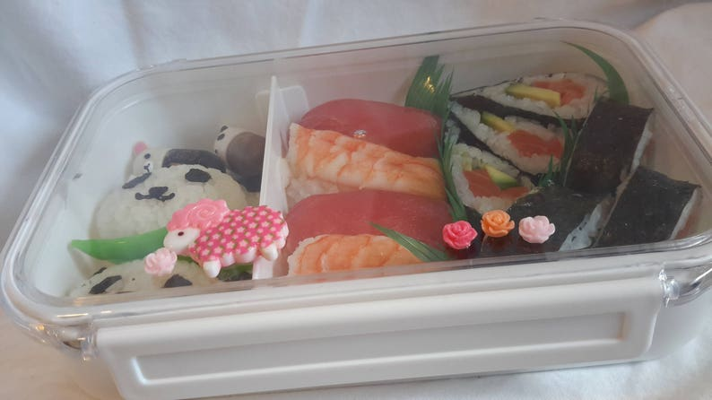 kawaii BeNTO box lunch storage large Japanese lunch box white RED GINGHAM ANIMALS so very cute portion control obento sushi storage