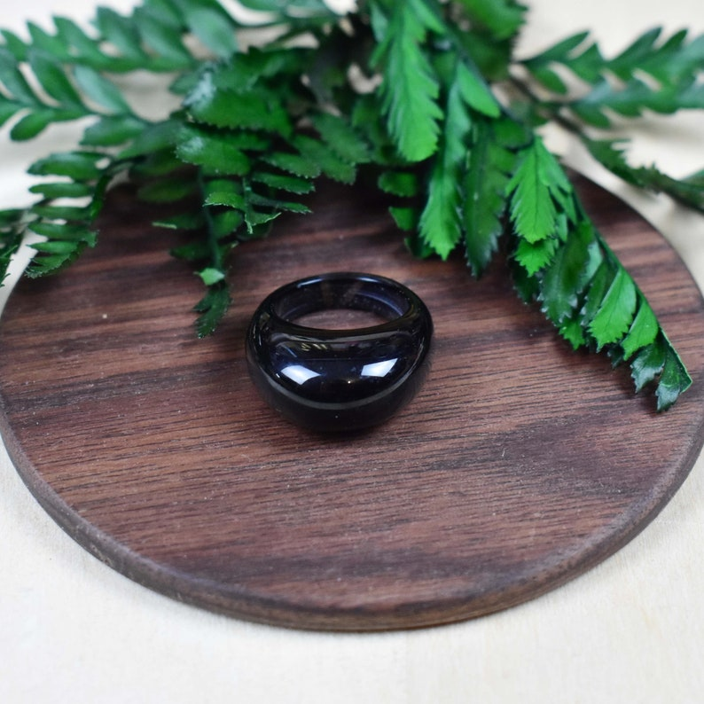 Gemstone Cabochon Stone Simple Carved Black Agate Dome Stone Ring Size 7.25 EPJ-RC20CAG12-9 S725R