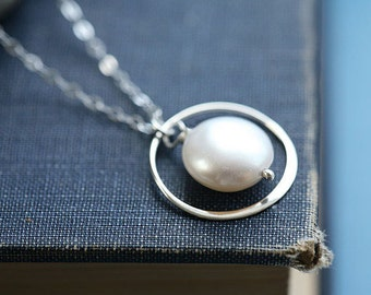 Sale-Circle necklace,Coin pearl necklace,bridesmaid gifts,mothers gift,anniversary,best friends,Karma necklace,June pearl,Pearl jewelry