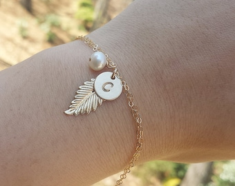Feather initial bracelet,personalized bridesmaid gift,hand stamped monogram,custom font,,bridal wedding jewelry gift,custom jewelry card