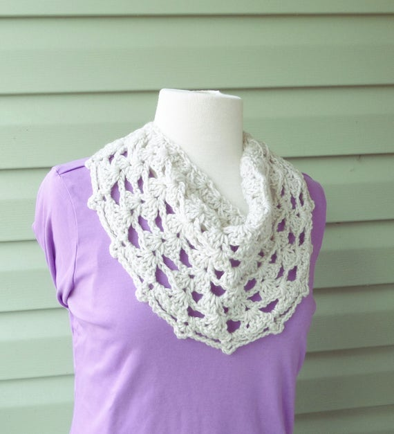 PATTERN C-029 / Crochet Pattern / Catalina Cowl worsted 90