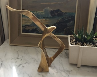 Stunning 1960s-70s Heavy Solid Brass Soaring Seagull Sculpture Statue