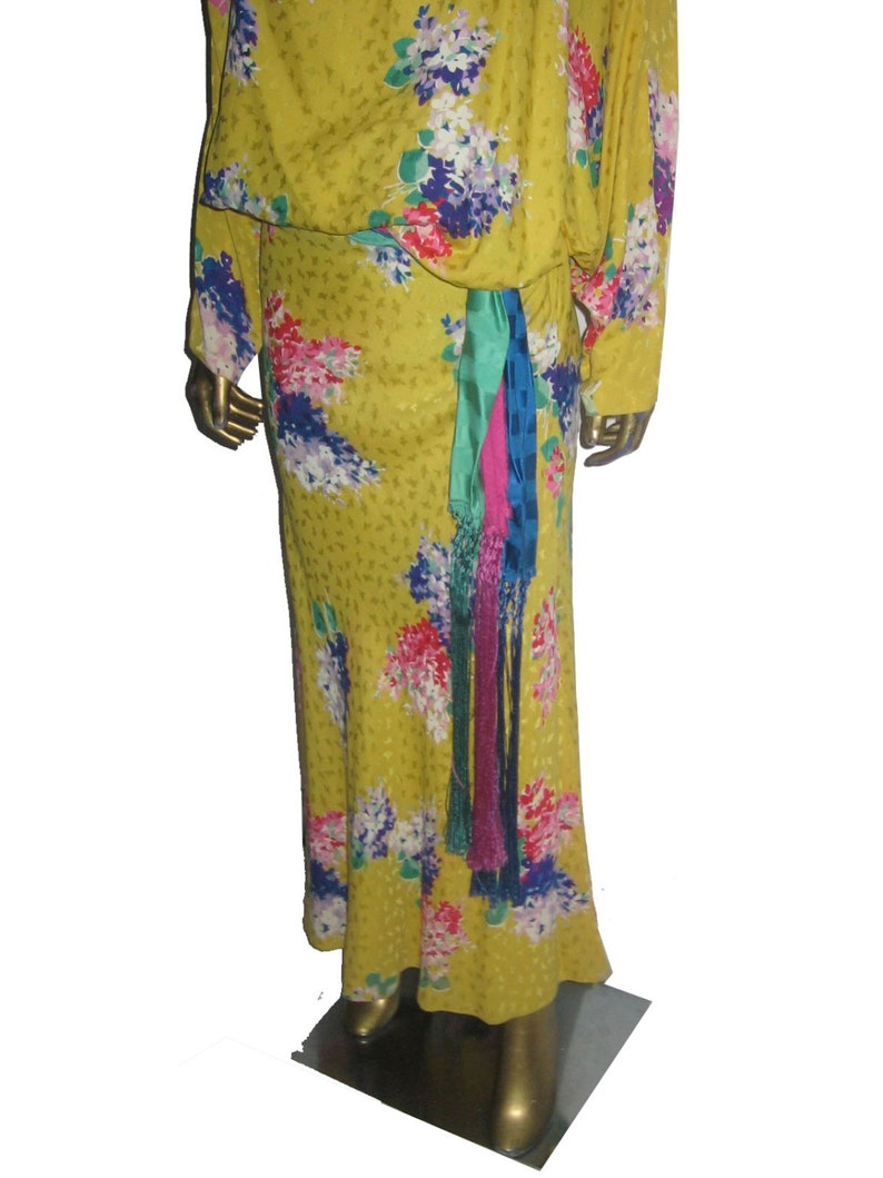 VTG Norma Walters 3PC Yellow Multicolor Floral Print Silk Hong Kong Made Blouson Dolman Top Bias Cut Long Skirt Fringe Sash Belt Ensemble