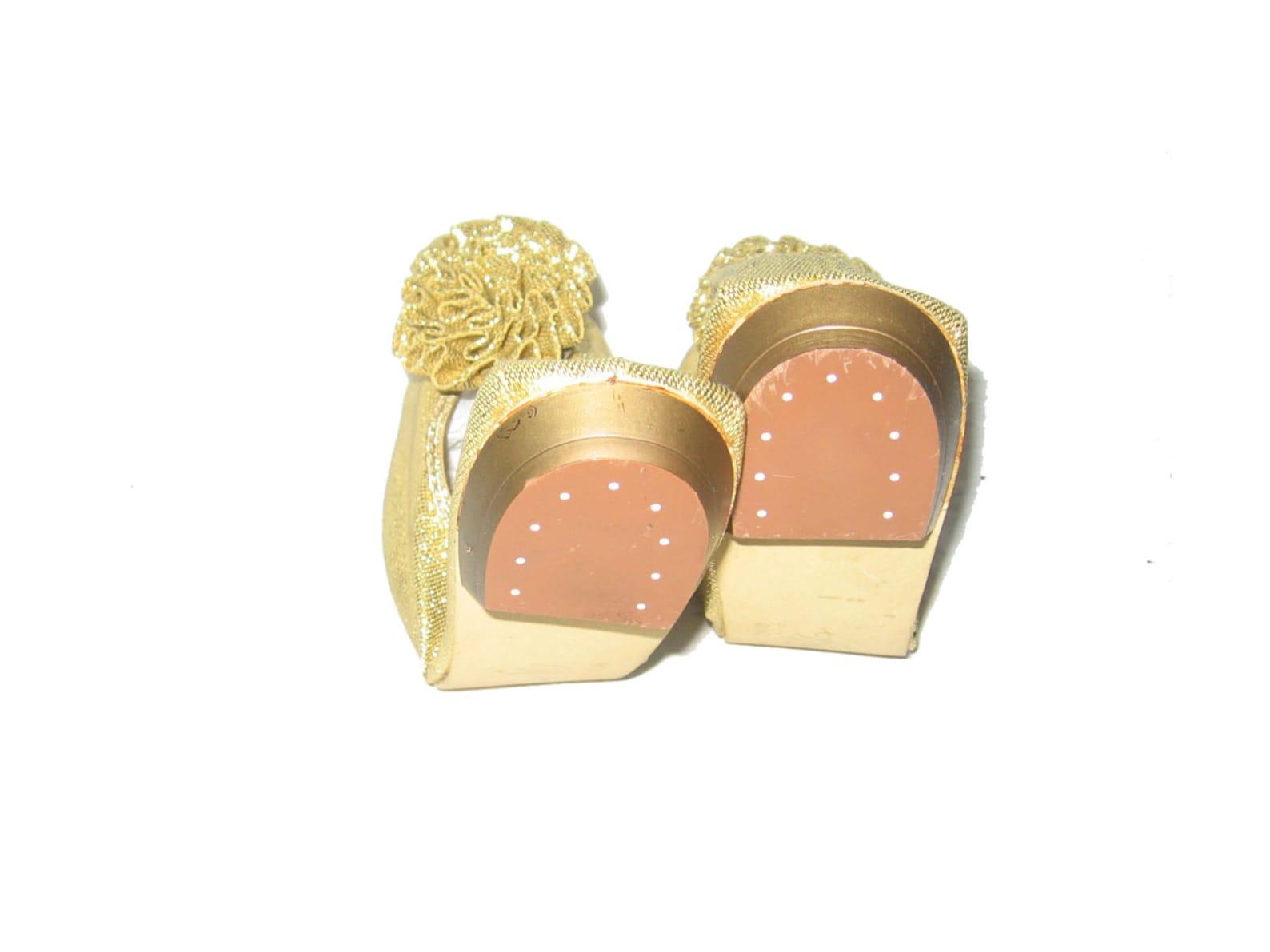 vtg rare stunning bertlyn new york metallic gold lurex lame flat heel rosette twiggy era mod ballet flat stretch shoes size med