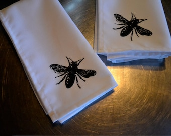 B. Poetic Busy Bees Napkin Set