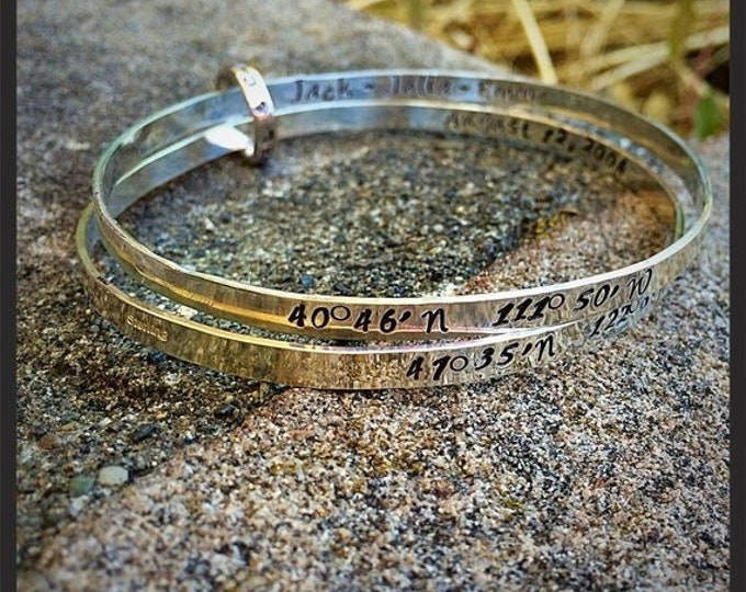BLACK FRIDAY SALE - Double Solid Sterling Silver light bangles with Connector - Hand Forged and Fully Customizable - Choice of Fonts and FIn