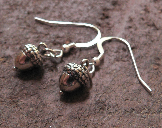 Detailed Acorn Earrings - Solid Sterling Silver - Choice of Ear Wire, Leverback or Posts - Versatile Woodland Theme Gift