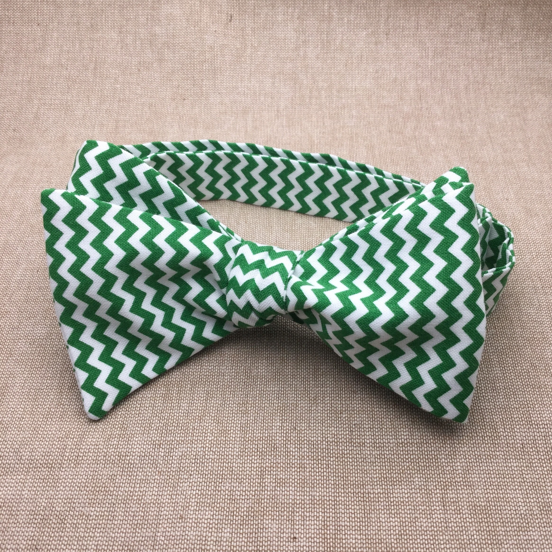6601e4635fac Green Chevron Bow tie Self tie Bow tie Matching Pocket | Etsy