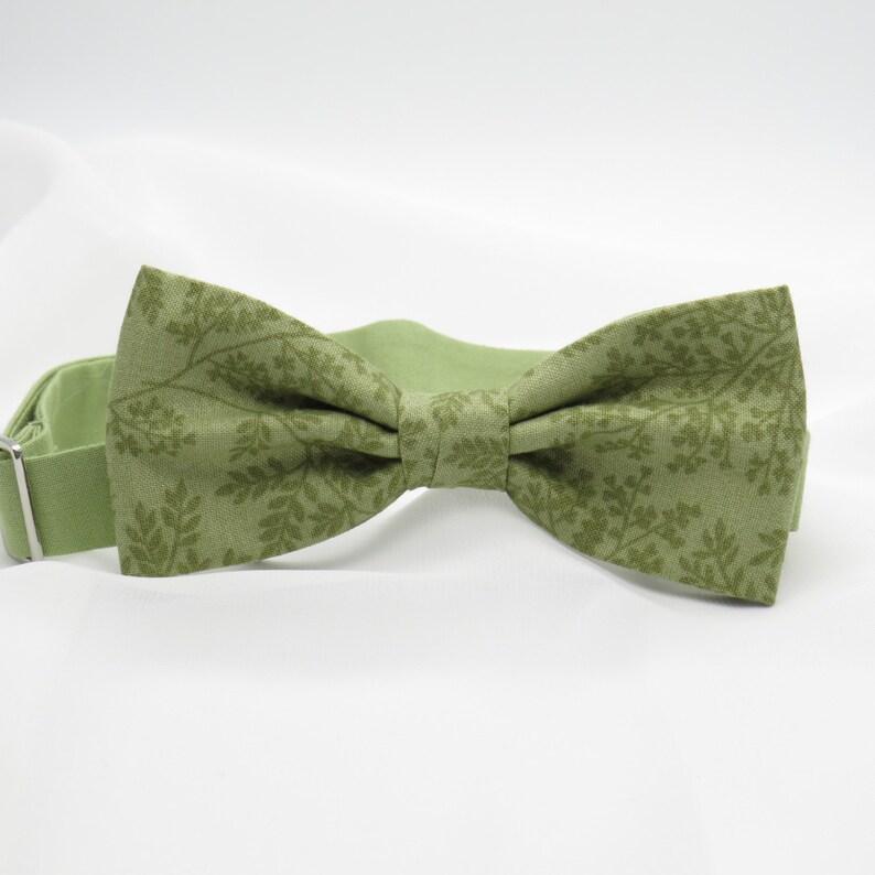 b946be3bb50c9 Mens sauge olive vert laisser floral Bow Tie noeud papillon | Etsy