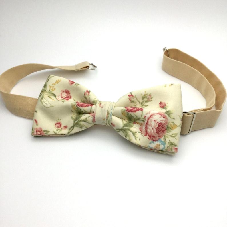 fcd4a59eb57c Floral Mens Shabby Chic Cream Vintage Bow Tie Pocket Square | Etsy