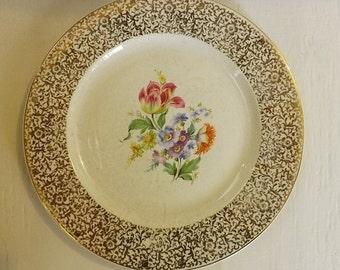 Royal Lovelace Dinner Plate With Floral Spray Design