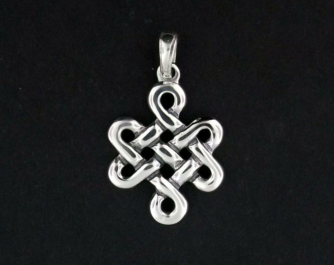 Large Endless Knot Pendant in Sterling Silver