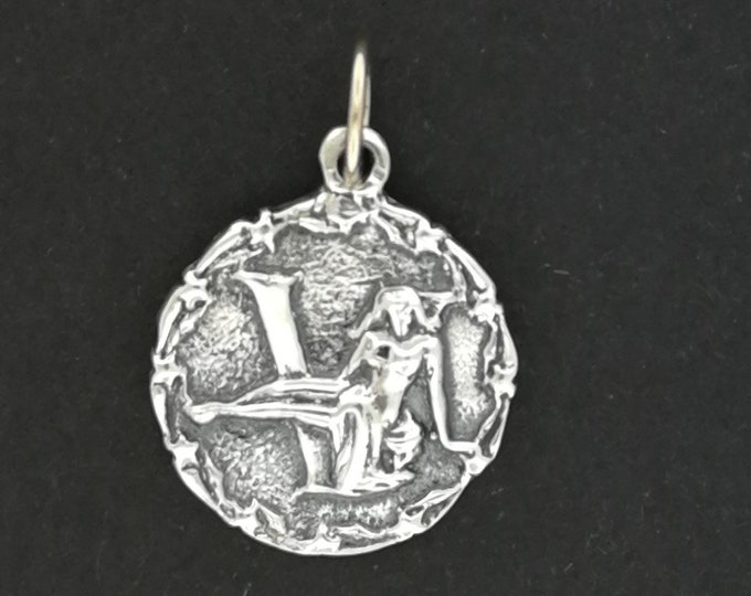 Zodiac Medallion Virgo in Sterling Silver