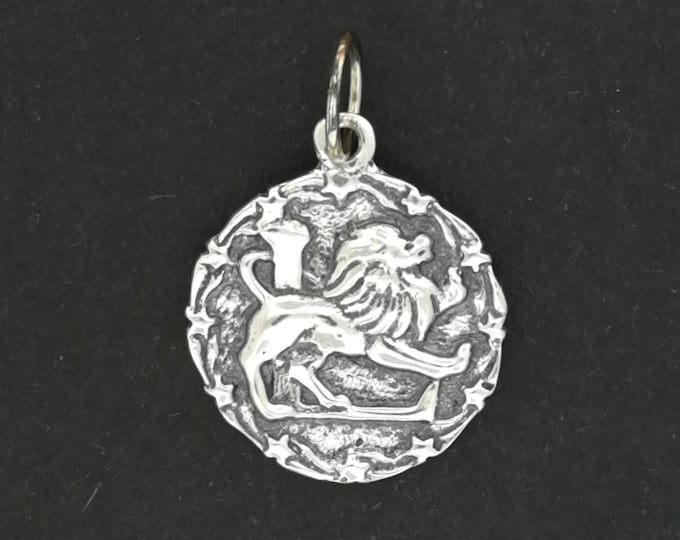 Zodiac Medallion Leo in Sterling Silver