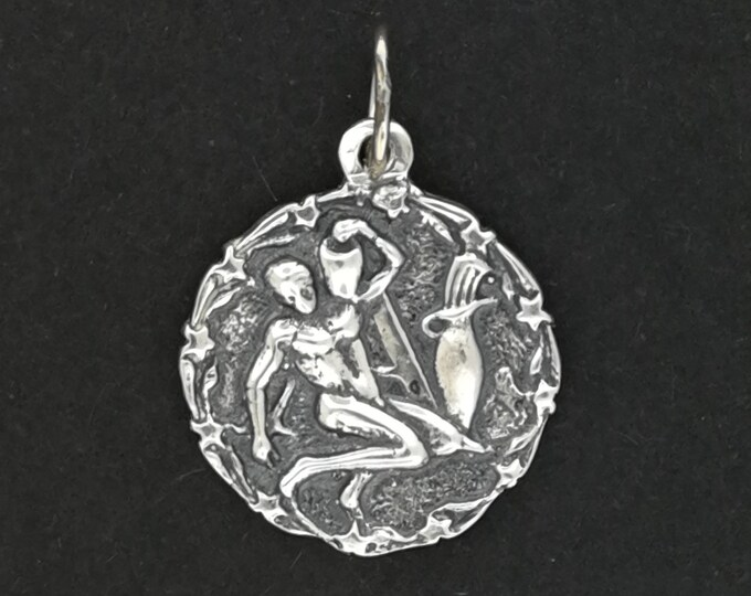 Zodiac Medallion Aquarius in Sterling Silver