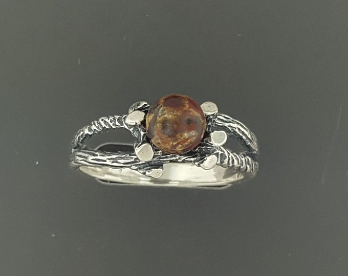 Wood Style Sterling Silver Ring with Gemstone Pearl