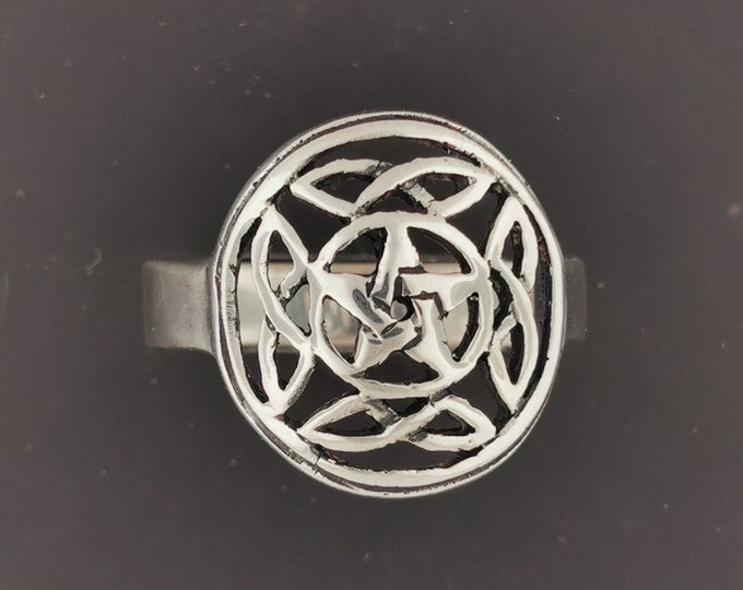 Knotwork Pentacle Ring in Sterling Silver or Antique Bronze