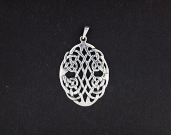 Sterling Silver Oval Celtic Knotwork Pendant