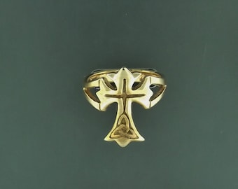 Celtic Cross Ring in Antique Bronze