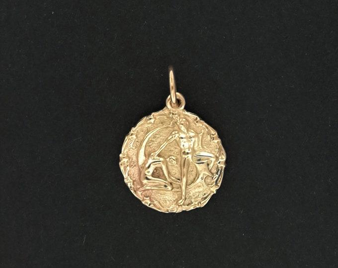Zodiac Medallion Gemini in Antique Bronze