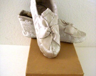 542eddd77de8e Edwardian slippers | Etsy