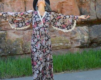 Vintage des années 70 Floral ange manches dentelle Hippie Boho Maxi Dress
