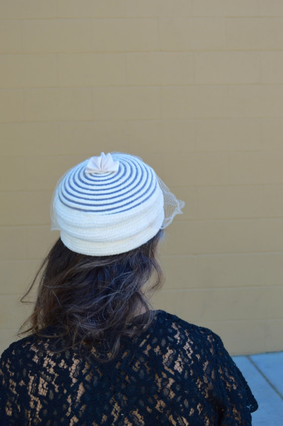 Vintage 50s Cream Off White Womens PILLBOX Hat wi… - image 4