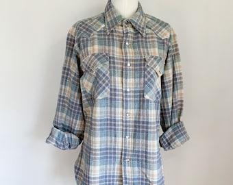 Vintage 1970s Pendleton Wool Plaid Flannel Shirt / Shaket // men's M