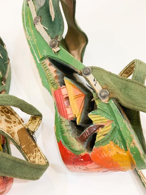 vintage 1940s carved wooden souvenir sandals  / s… - image 2