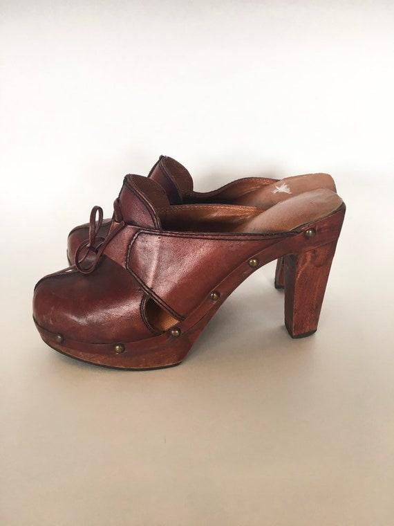 Vintage 1970s High Heels Clogs / size 6B