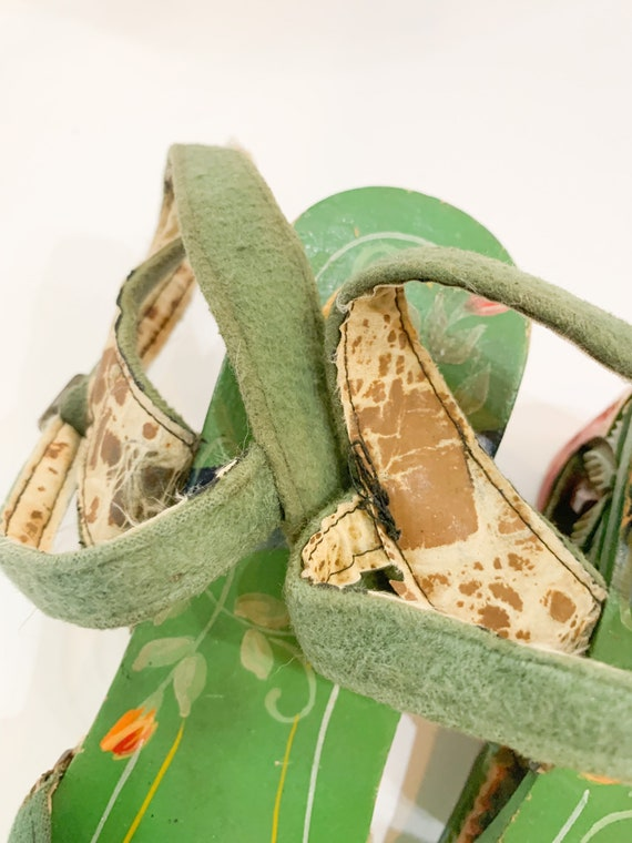 vintage 1940s carved wooden souvenir sandals  / s… - image 6