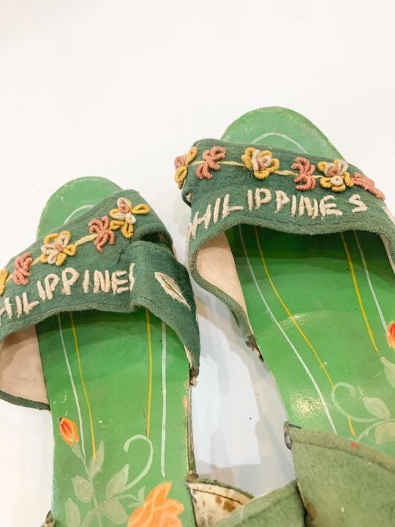 vintage 1940s carved wooden souvenir sandals  / s… - image 5