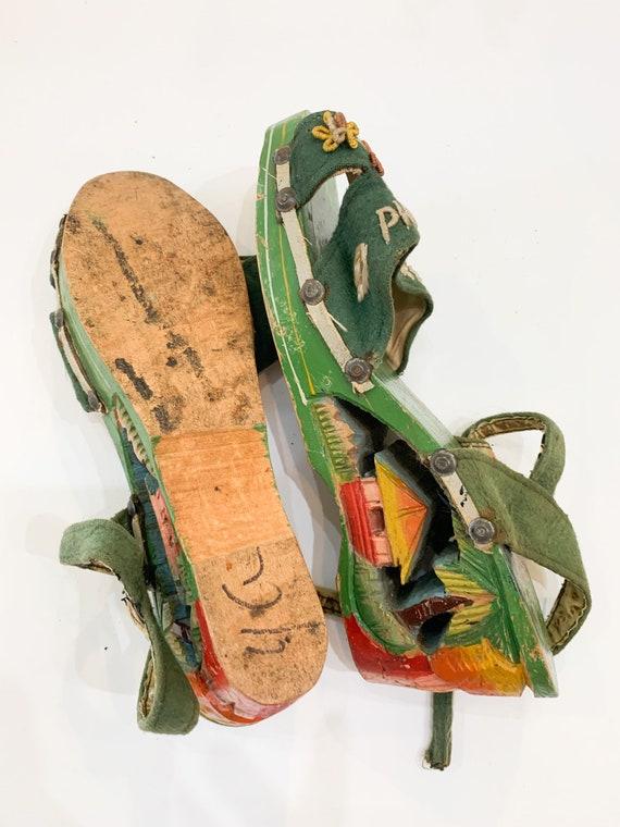 vintage 1940s carved wooden souvenir sandals  / s… - image 8