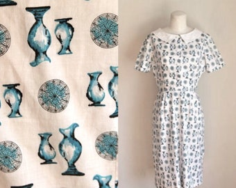 vintage 1950s novelty dress - BLUE VASES  50s day dress / XS-S