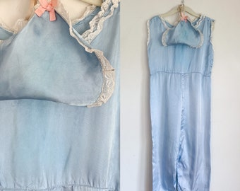 Vintage 1930s Little Girl's Beach Pajamas with a matching hat / 7-8x