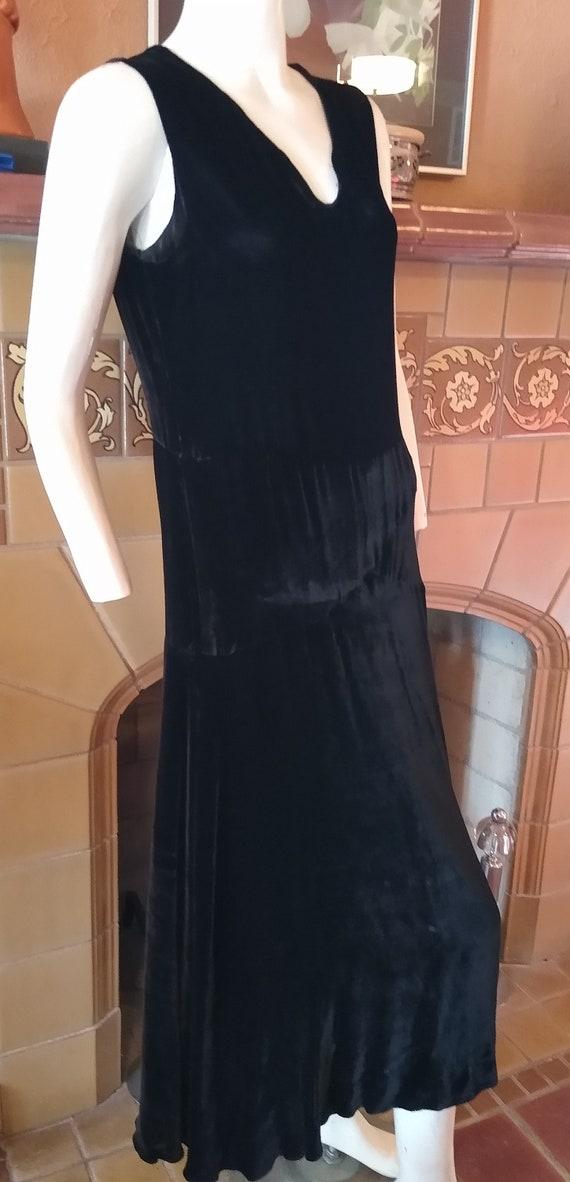 Fantastic 1920s Silk Velvet dress - image 4